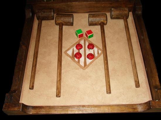 Ouverture de la boîte avec ses aceessoires de jeu